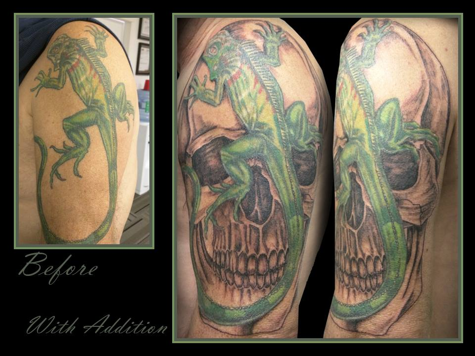 black and grey skull lizard iguana sitting on skull shoulder arm tattoo kamloops dolly's skin art