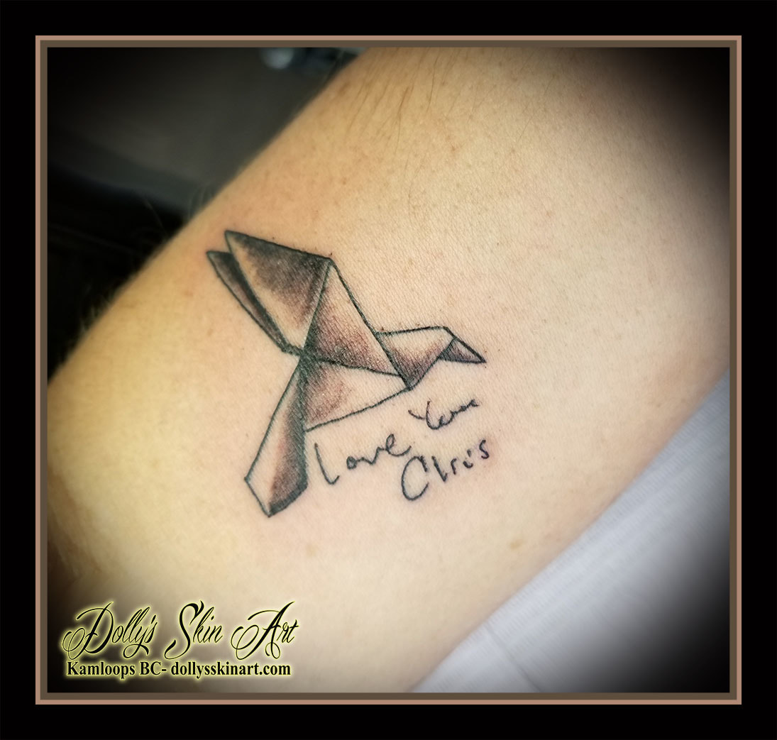 black and grey shading paper folding origami crane linework love you chris handwriting lettering font tattoo kamloops dolly's skin art
